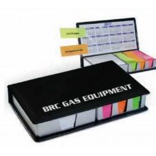 Бумага для заметок и календарь в держателе